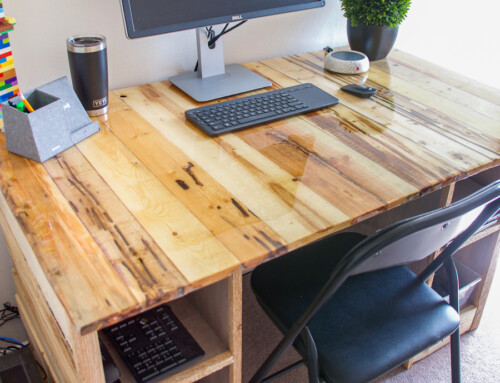 Pallet Board Desk with Total Boat