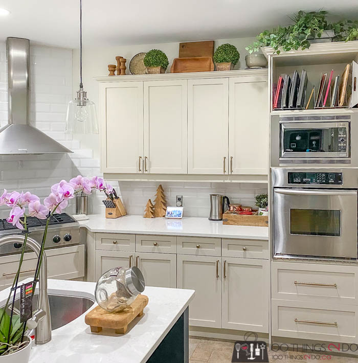 Styling Above Kitchen Cabinets 100, Decorations To Put On Top Of Kitchen Cabinets